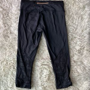 Lululemon Black Camo Leggings (Size 4)
